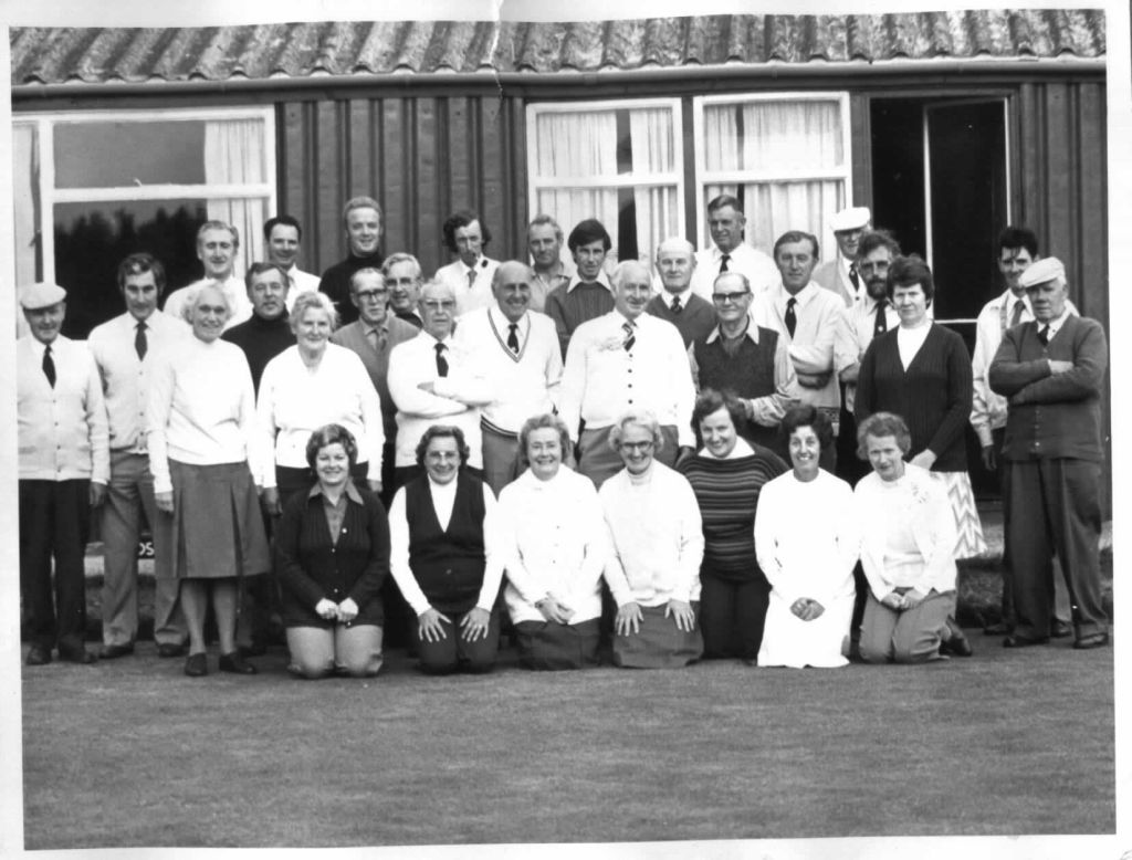 bowls-club-members