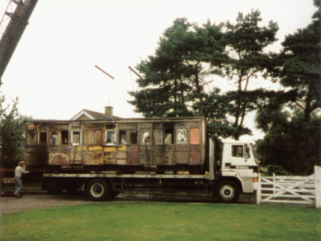 railway-carriages-1986-b