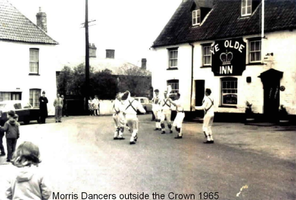 the-crown-1965-morris-dancers