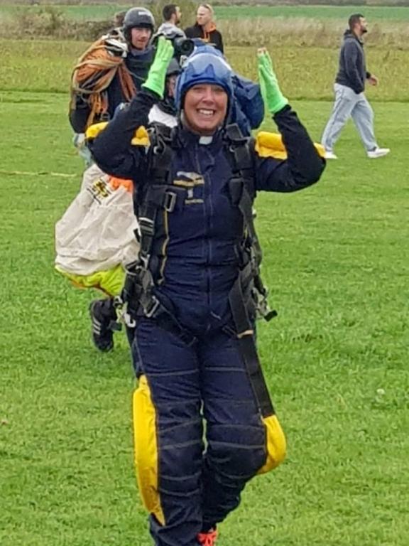 rev-zoe-parachute-jump